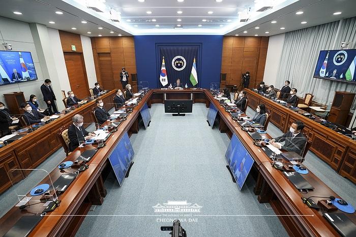 한-우즈베키스탄 화상 정상회담