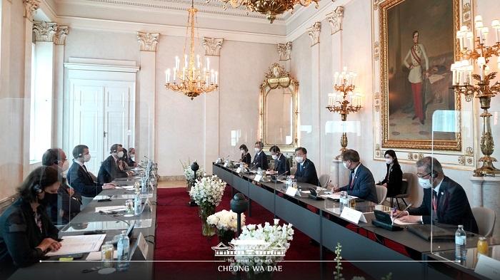 총리와의 회담 모습
