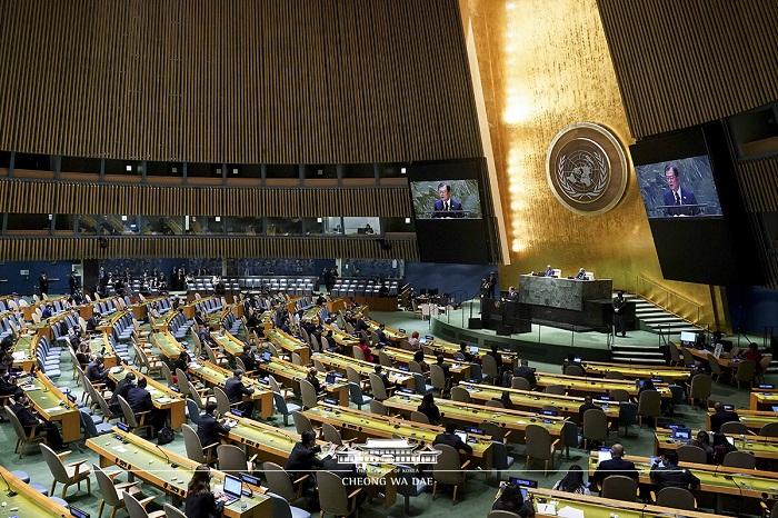 UN 총회의장 전체모습